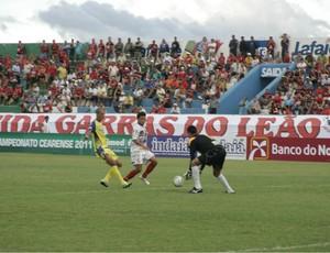 Guarani de Juazeiro e Horizonte em jogo no Estádio Romeirão (Foto: Márcio Valério/Cariri Notícias)