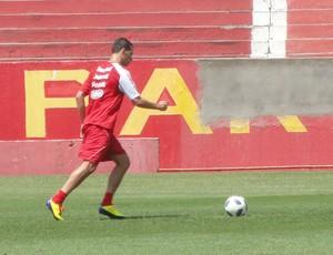 Leandro Damião no treino do Internacional (Foto: Alexandre Alliatti/Globoesporte.com)