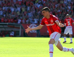 Dalessandro internacional gol avaí (Foto: Marcos Nagelstein / VIPCOMM)