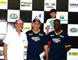 Mihaly Hidasy, diretor de provas do GP do Brasil de 1991 bandeirada kart volta redonda (Foto: Alex Macabú)