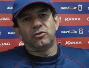 Guilherme Macuglia, técnico do Paraná Clube (Foto: Fernando Freire/GLOBOESPORTE.COM)
