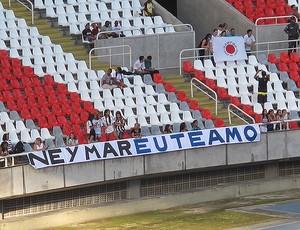 Faixa Neymar Engenhão flamengo x santos (Foto: Adilson Barros/Globoesporte.com)