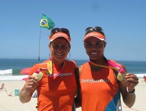 Juliana e Larissa (Foto: Mariana Canedo)