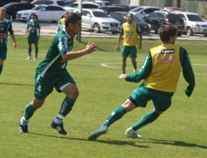 Leonardo Lucas Mendes Coritiba (Foto: Gabriel Hamilko / GloboEsporte.com)