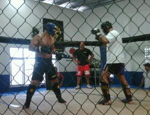 Rodrigo Minotauro treinando com Júnior Cigano (Foto: Reprodução)
