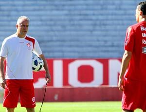 Dorival Junior e Leandro Damião no treino do Internacional (Foto: Marcos Nagelstein / VIPCOMM)