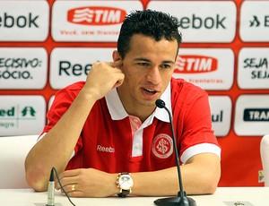 Leandro Damião no treino do Internacional (Foto: Marcos Nagelstein / VIPCOMM)