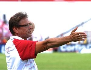 Waldemar Lemos, técnico do Náutico (Foto: Antônio Carneiro)