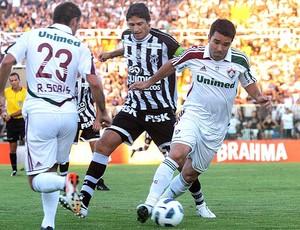 Deco no jogo do Fluminense contra o Ceará (Foto: Agência Photocâmera)
