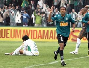 Davi, meia do Coritiba na vitória sobre o América-MG (Foto: Divulgação / Coritiba)