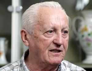 Ex-jogador húngaro Florian Albert (Foto: agência AFP)