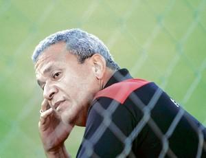 Hélio dos Anjos, técnico do Atlético-GO (Foto: Sebastião Nogueira/O Popular)