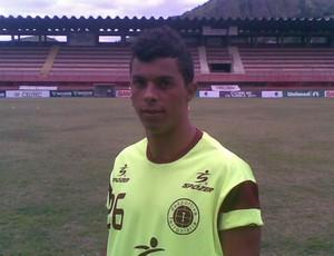 Reinan, lateral-esquerdo da Desportiva Ferroviária (Foto: Igor Gonçalves/Globoesporte.com)