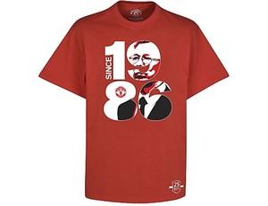 Camisa em homenagem aos 25 anos de Alex Ferguson no Manchester United (Foto: Divulgação)