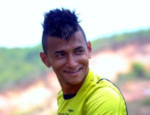 Rogério, atacante do Náutico (Foto: Aldo Carneiro)