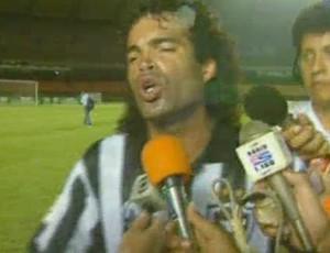 Frame Gonçalves reclama da arbitragem, Vasco x Botafogo (Foto: Reprodução/TV Globo)