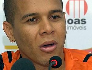 fernandinho lateral do vitoria (Foto: Reprodução/TV Bahia)