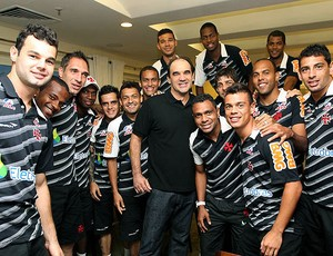 Ricardo Gomes visita o elenco do Vasco (Foto: Marcelo Sadio / Site Oficial do Vasco da Gama)
