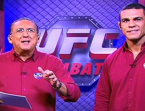FRAME Galvão Bueno e Vitor Belfort durante narração do UFC (Foto: Reprodução / TV Globo)