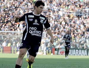 Osvaldo, atacante do Ceará no jogo contra o Santos (Foto: Divulgação / Ceará)