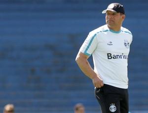 Celso Roth no treino do Grêmio (Foto: Wesley Santos/Agência Estado)