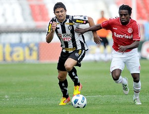 Elkeson Botafogo Tinga Internacional (Foto: Futura Press)