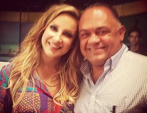 Cláudia Leitte com o Luiz Dorea, treinador do Cigano, no Bem, Amigos (Foto: Divulgação)