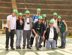 Torcedores visitam obras da Arena Palestra - Palmeiras (Foto: Divulgação)