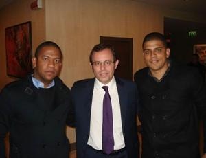 Sandro Rosell e empresário de Leandro Damião (Foto: Reprodução Twitter)