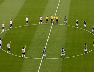 jogadores de Corintians e Palmeiras homenageiam Sócrates (Foto: Léo Pinheiro/Agência Estado)