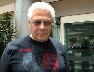 Roberto Dinamite na concentração do Vasco (Foto: Gustavo Rotstein / GLOBOESPORTE.COM)