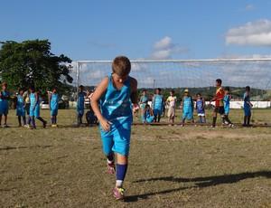 Tiago, 12 anos, sonha em ser jogador de futebol (Foto: Elton de Castro/Globoesporte.com)