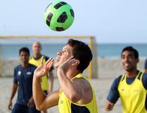 jogadores brasil futebol de areia treino (Foto: Divulgação)