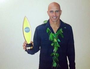 Slater ganha prêmio de surfista do ano pela 16ª vez