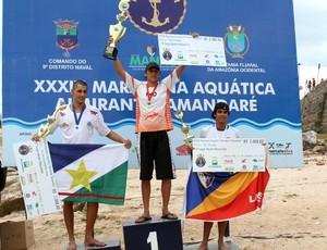 Vencedor da Maratona Aquática Almirante Tamandaré (Foto: Frank Cunha /GLOBOESPORTE.COM)