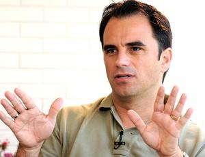 Rodrigo Caetano durante entrevista (Foto: André Durão / GLOBOESPORTE.COM)