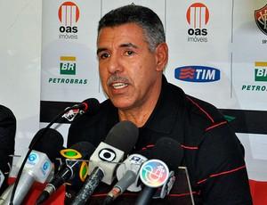 toninho cerezo é apresentado no vitoria (Foto: Eric Luis Carvalho/Globoesporte.com)