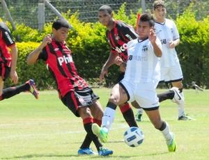 Atlético-PR e Ceará em jogo do Campeonato Brasileiro Sub-20  (Foto: Marcelo Campos/Federação Gaúcha de Futebol )