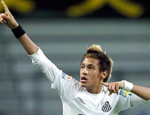 Neymar comemora gol do Santos contra o Kashiwa (Foto: Reuters)