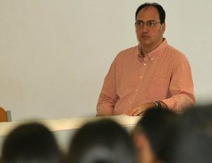 Paulinho Villas Boas, durante palestra em Manaus (Foto: Divulgação/Semdej)
