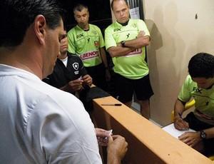 No sorteio, Botafogo elimina o Grêmio do Brasileiro Sub-20 (Foto: Divulgação)