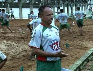 Paulinho Ceará, técnico do Morrinhos (Foto: Reprodução/TV Anhanguera)