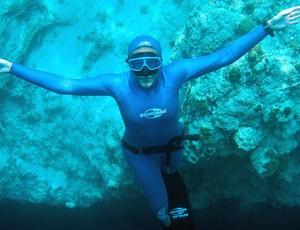 Karol 'Peixe' é um das candidatas ao prêmio de melhor mergulhadora do mundo  (Foto: Divulgação)