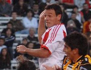 Adalberto Román river plate (Foto: Divulgação/Site Oficial River Plate)