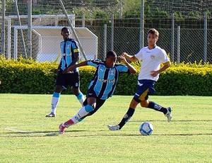 Emerson, meia da base do Grêmio (Foto: Divulgação/site do Grêmio)