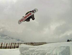 Tony Mallmann salto (Foto: Arquivo Pessoal)