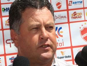 Roberto Cavalo, técnico do Vila Nova (Foto: Diomício Gomes/O Popular)