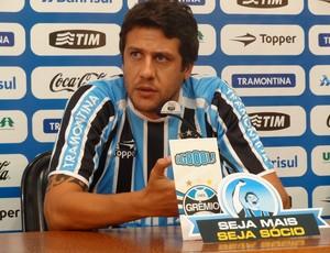 Apresentação Sorondo Grêmio (Foto: Eduardo Cecconi/GLOBOESPORTE.COM)