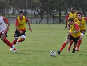 Jogadores do Atlético-PR treinam no CT do Caju (Foto: Divulgação/Site oficial do Atlético-PR)