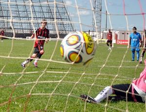 Rosseto marca, e Atlético-PR vence o Marília pela Copa SP (Foto: Divulgação/Atlético-PR)